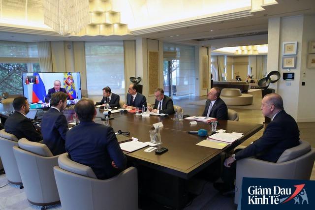 Nhóm G-7 kêu gọi các chủ nợ quốc tế tạm ngưng thanh toán hoặc xóa nợ vay ngắn hạn với các nước nghèo nhất thế giới do ảnh hưởng của đại dịch COVID-19  - Ảnh 1.