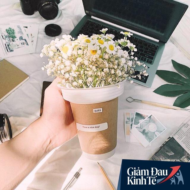 Phải đóng cửa vì Covid-19, doanh số sụt 95%, một chủ tiệm hoa ở Sài Gòn đã nghĩ ra cách độc đáo để tồn tại qua mùa dịch - Ảnh 2.