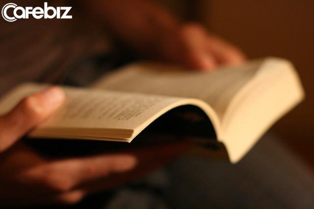 Sách không đọc để giải trí, không đọc để lấy thông tin tầm phào, sách là tri thức và giáo dục: Nếu không muốn, TỐT NHẤT ĐỪNG ĐỌC  - Ảnh 1.