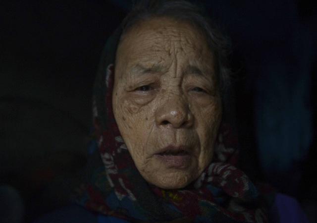 Người nghèo sống dưới chân cầu Long Biên chật vật xoay xở mưu sinh trong dịch COVID-19 - Ảnh 2.