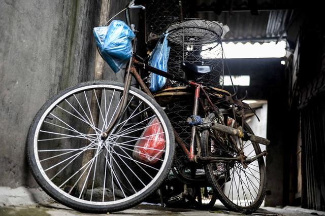 Người nghèo sống dưới chân cầu Long Biên chật vật xoay xở mưu sinh trong dịch COVID-19 - Ảnh 11.