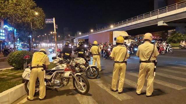 Liên ngành Công an-Giao thông lập 30 chốt giám sát người và xe vào Thủ đô - Ảnh 1.