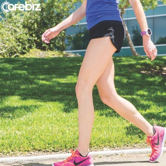 Kiên trì chạy bộ, từ một người không thể chạy quá 100m đến ẵm giải nhất marathon, tôi đã học được bài học lớn - Ảnh 1.