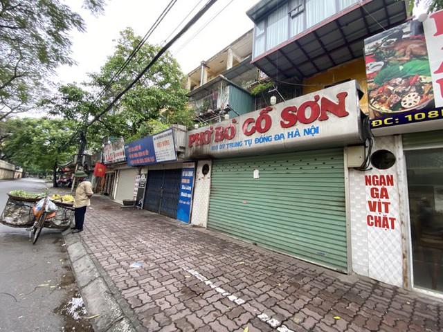 Dừng cách ly xã hội, hàng quán Hà Nội không vội mở cửa trở lại - Ảnh 2.