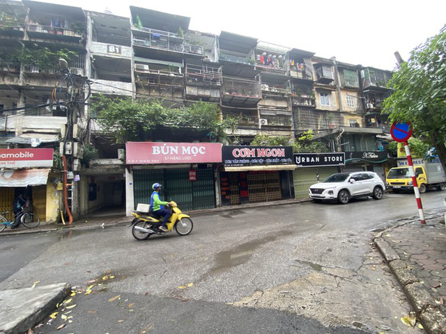 Dừng cách ly xã hội, hàng quán Hà Nội không vội mở cửa trở lại - Ảnh 3.