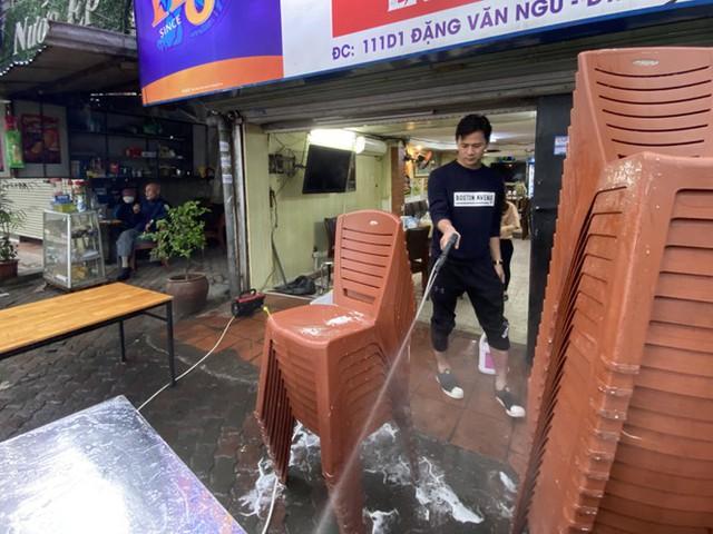 Dừng cách ly xã hội, hàng quán Hà Nội không vội mở cửa trở lại - Ảnh 6.