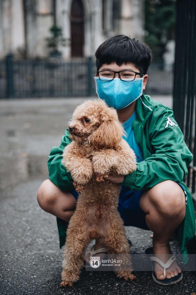 Ảnh: Hà Nội ngày đầu tiên sau 3 tuần cách ly, cuộc sống đang dần hồi sinh - Ảnh 7.
