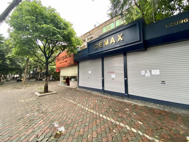 Dừng cách ly xã hội, hàng quán Hà Nội không vội mở cửa trở lại - Ảnh 7.