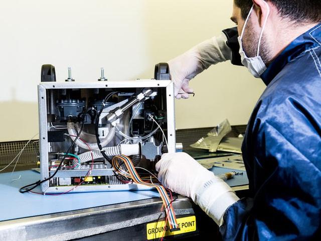 Chỉ trong 37 ngày, NASA thiết kế và chế tạo thành công máy thở xâm lấn vừa rẻ vừa đơn giản - Ảnh 1.