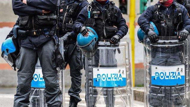 Lo ngại lây nhiễm COVID-19, Italy thả nhiều trùm mafia  - Ảnh 1.