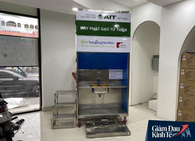 Thêm nhiều máy ATM gạo – Hạt Giống Tâm Hồn tới đồng bào các tỉnh miền Tây và phía Bắc  - Ảnh 2.