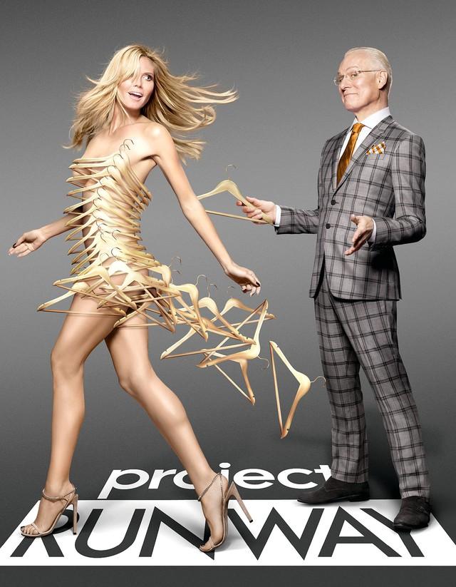 Siêu mẫu Heidi Klum thần thái, quyền lực với thiết kế của Công Trí trong chương trình thực tế Making the Cut  - Ảnh 4.