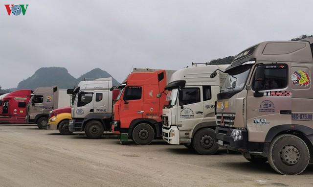 Trung Quốc dừng thông quan hàng hóa qua cửa khẩu Lạng Sơn - Ảnh 1.