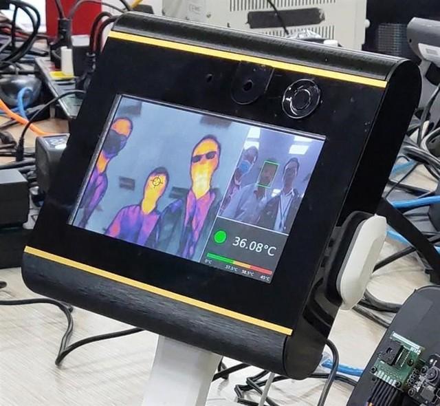 Vingroup sản xuất máy thở và máy đo thân nhiệt made in Vietnam, sẽ tặng cho Bộ Y tế 5.000 máy thở Không Xâm nhập để kịp thời phục vụ chống dịch Covid-19 - Ảnh 1.