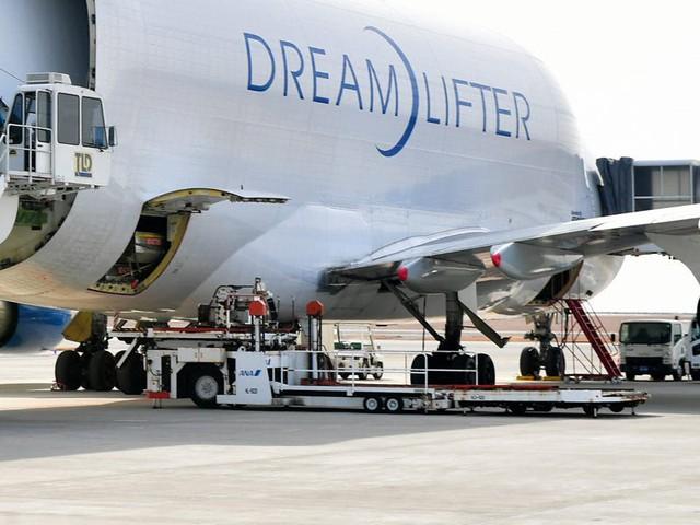 Boeing quyên góp 3 chiếc máy bay chở hàng ngoại cỡ để giúp phân phối hàng hóa liên quan virus corona - Ảnh 10.
