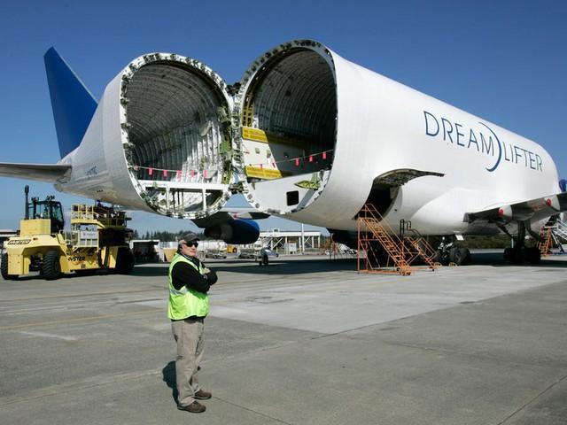 Boeing quyên góp 3 chiếc máy bay chở hàng ngoại cỡ để giúp phân phối hàng hóa liên quan virus corona - Ảnh 12.