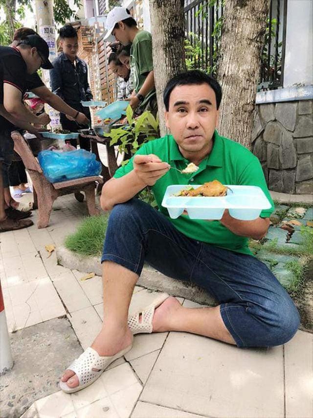 Hoài Linh và Quyền Linh chính là 2 nhân vật ăn uống giản dị nhất showbiz Việt, bữa cơm nào cũng toàn đạm bạc với cá mắm - Ảnh 5.