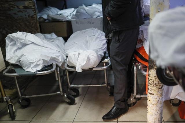 Nhà tang lễ ở New York cầu cứu khi số người tử vong vì nhiễm Covid-19 tăng lên quá nhanh, đau lòng từ chối gia đình các nạn nhân - Ảnh 2.