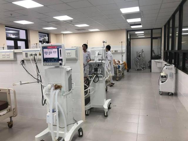 Giữa đại dịch Covid-19: Vì sao máy thở được coi là lá phổi sắt, hai loại máy thở khác nhau thế nào? - Ảnh 1.