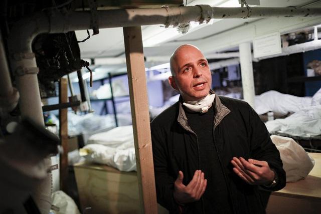 Nhà tang lễ ở New York cầu cứu khi số người tử vong vì nhiễm Covid-19 tăng lên quá nhanh, đau lòng từ chối gia đình các nạn nhân - Ảnh 3.