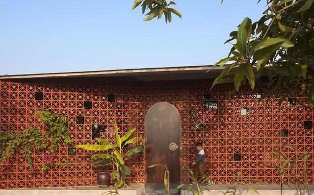 Ngôi nhà ở Nam Định lấy cảm hứng từ cây chuối - Ảnh 1.