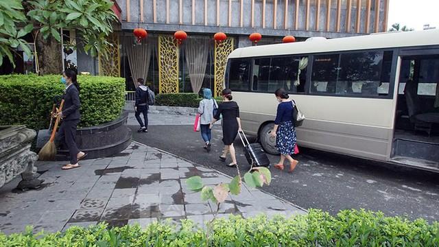 Cuộc sống cách ly của các y bác sĩ Bạch Mai trong khách sạn 4 sao - Ảnh 4.