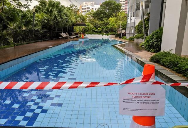 Người Singapore đã thay đổi hành vi như thế nào trong ngày đầu tiên giãn cách xã hội? - Ảnh 4.