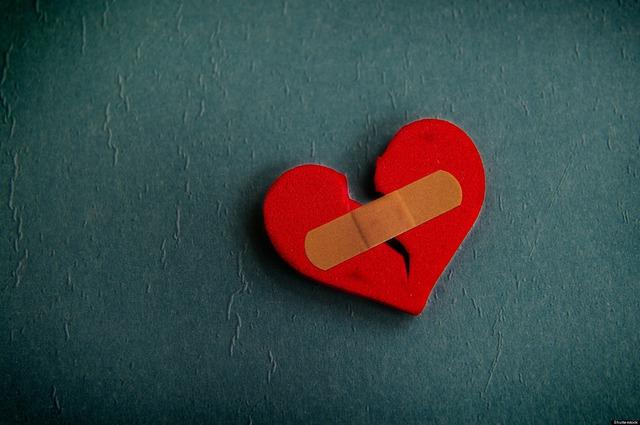 Bữa tiệc nào rồi cũng sẽ tàn: Làm gì để vượt qua nỗi buồn khi một mối quan hệ kết thúc? - Ảnh 1.