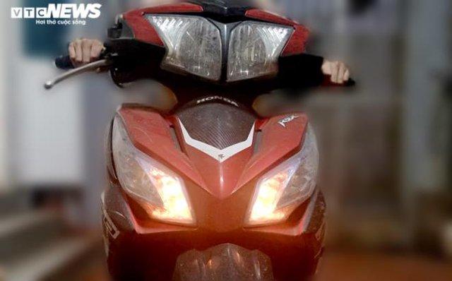 Đề xuất xe máy phải bật đèn nhận diện cả ngày: Vụ An toàn giao       thông nói gì? - Ảnh 1.