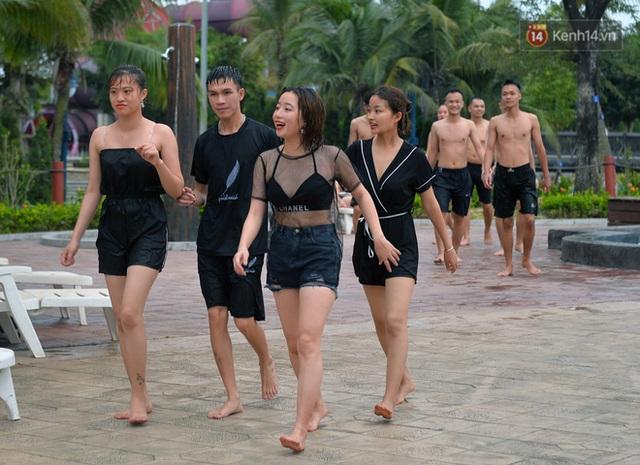 Bãi biển Hạ Long nhộn nhịp, khu vui chơi náo nhiệt sau một ngày hoạt động trở lại - Ảnh 13.