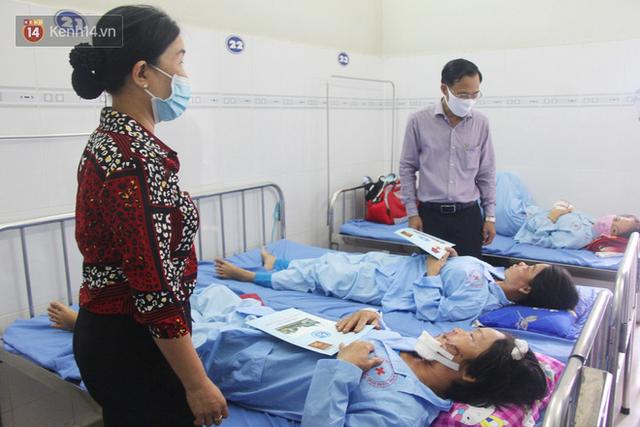 Bố mẹ bị vùi trong đống đổ nát vụ sập công trình kinh hoàng, 2 đứa trẻ bơ vơ trong bệnh viện: Tụi nhỏ không chịu ăn, cứ lo mẹ sẽ chết - Ảnh 18.