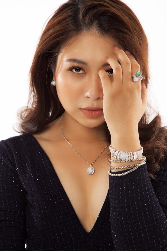 Vén màn công việc lồng tiếng phim cùng cô nàng gây bão TikTok Trang Nguyễn: Người đảm nhiệm thu âm series đình đám Diên Hi Công Lược - Ảnh 3.