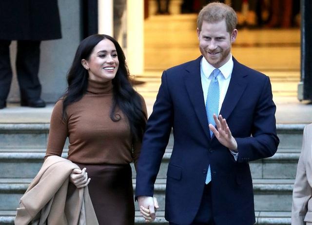 Tính toán sai lầm của Meghan Markle: Rời hoàng gia để tự do làm người nổi tiếng không ngờ lại tạo cơ hội cho chị dâu Kate vượt mặt - Ảnh 1.