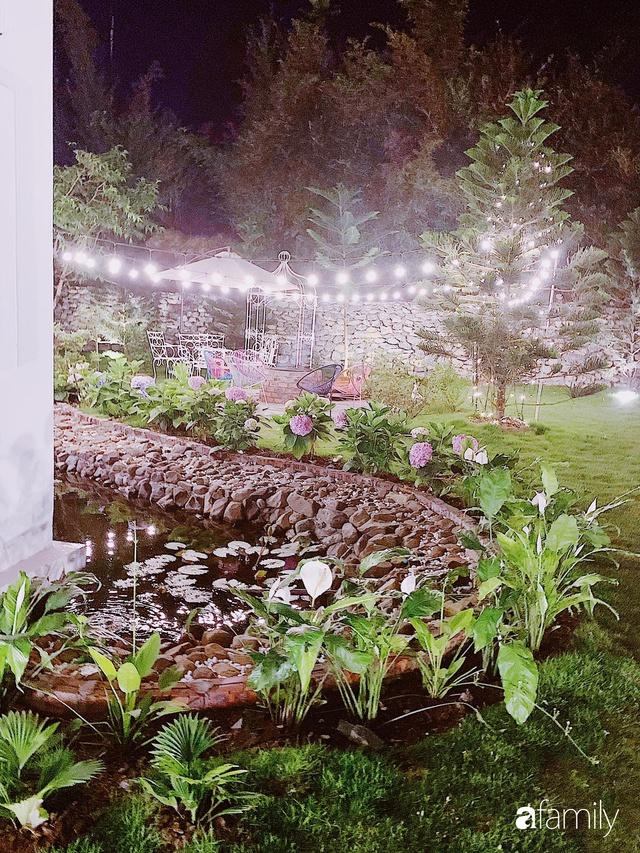 Ngôi nhà vườn 1000m² tọa lạc trên đồi đẹp yên bình với ngoại thất sân vườn rực rỡ sắc màu hoa lá ở Hòa Bình của đôi vợ chồng trẻ - Ảnh 10.