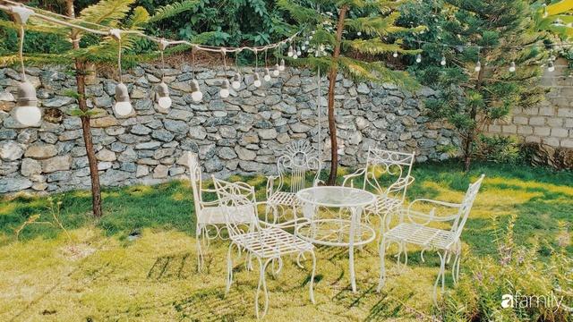 Ngôi nhà vườn 1000m² tọa lạc trên đồi đẹp yên bình với ngoại thất sân vườn rực rỡ sắc màu hoa lá ở Hòa Bình của đôi vợ chồng trẻ - Ảnh 21.
