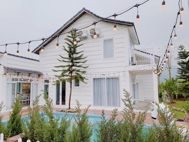 Ngôi nhà vườn 1000m² tọa lạc trên đồi đẹp yên bình với ngoại thất sân vườn rực rỡ sắc màu hoa lá ở Hòa Bình của đôi vợ chồng trẻ - Ảnh 6.