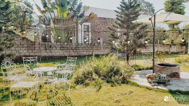 Ngôi nhà vườn 1000m² tọa lạc trên đồi đẹp yên bình với ngoại thất sân vườn rực rỡ sắc màu hoa lá ở Hòa Bình của đôi vợ chồng trẻ - Ảnh 7.