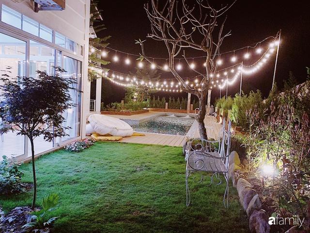 Ngôi nhà vườn 1000m² tọa lạc trên đồi đẹp yên bình với ngoại thất sân vườn rực rỡ sắc màu hoa lá ở Hòa Bình của đôi vợ chồng trẻ - Ảnh 9.