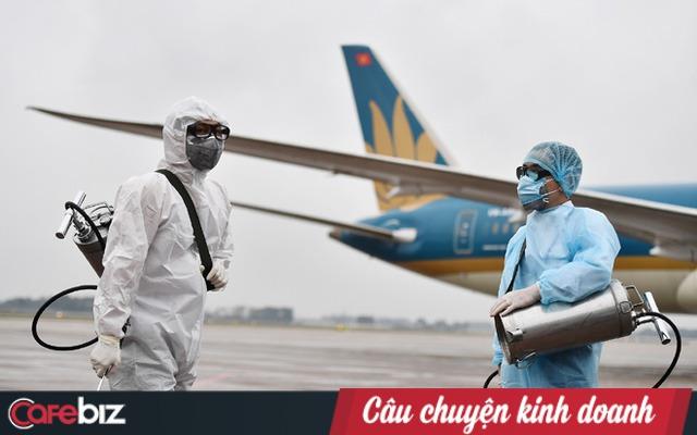 Đằng sau những chuyến bay cứu trợ đồng bào: 2 nhân viên Vietnam Airlines dương tính với Covid-19, nhưng 100% lao động hàng không vẫn sẵn sàng lao vào vùng dịch đón bà con về nước - Ảnh 1.