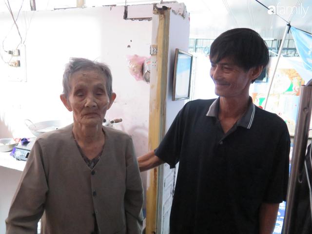 Tâm sự người đàn ông khuyết tật cả 2 tay, ngày ngày bán phế liệu nuôi 2 cháu sinh đôi cùng mẹ già 91 tuổi: Tôi không dám chết - Ảnh 14.