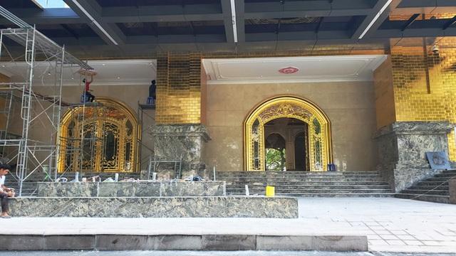 Tòa nhà dát vàng 24K từ chân đến nóc khủng nhất Hà Nội đang hoàn thiện - Ảnh 3.