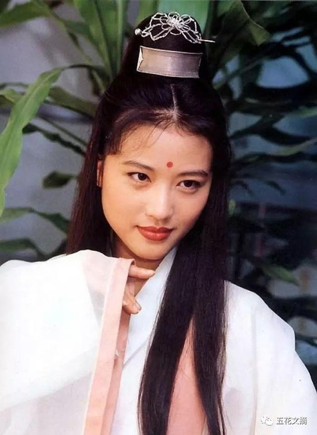 Chu Chỉ Nhược đẹp nhất màn ảnh: Tình duyên lận đận, U60 giàu kếch xù nhưng sống cô độc - Ảnh 3.