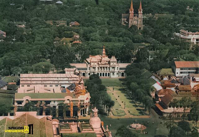 Bộ ảnh phục chế màu Sài Gòn 100 năm trước đang được chia sẻ chóng mặt trên mạng bởi màu xanh ở Nhà thờ Đức Bà nhìn mới đẹp và lạ làm sao - Ảnh 4.