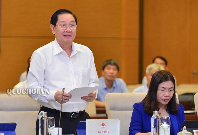 Bộ trưởng Bộ Nội vụ nói lý do chưa tăng lương cho công chức, viên chức từ 1-7-2020  - Ảnh 1.