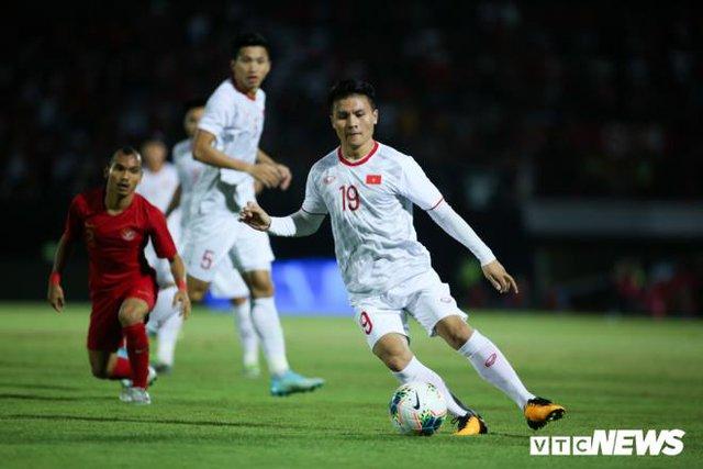Đỗ Hùng Dũng giành Quả bóng Vàng Việt Nam 2019, Quang Hải đoạt Quả bóng Bạc  - Ảnh 2.