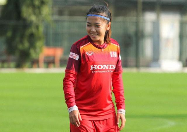Đỗ Hùng Dũng giành Quả bóng Vàng Việt Nam 2019, Quang Hải đoạt Quả bóng Bạc  - Ảnh 3.