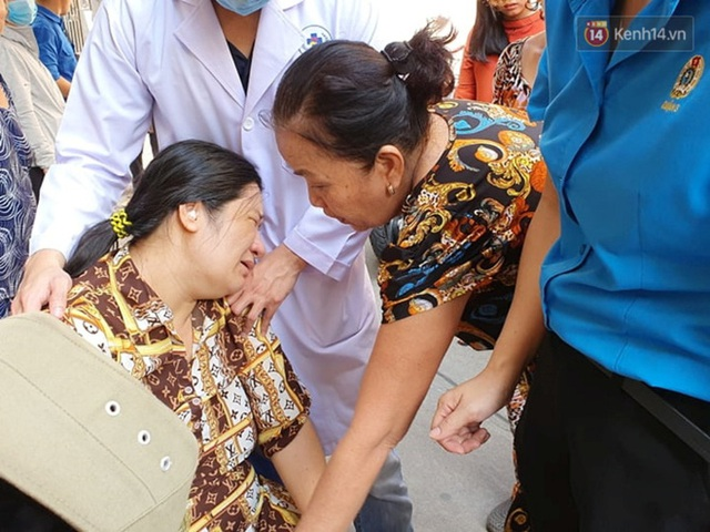 Vừa sinh con 2 ngày, mẹ đau đớn nằm băng ca về nhìn mặt con trai đầu tử nạn vì bị cây đè trúng ở sân trường - Ảnh 6.