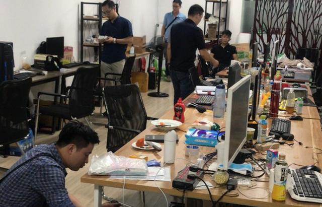 Đường dây đánh bạc 64.000 tỷ ở Hà Nội: Chỉ riêng tháng 5, lợi nhuận của nhà cái đạt 77,7 tỷ đồng - Ảnh 2.