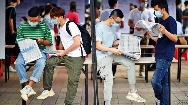 Hàng triệu sinh viên Trung Quốc tốt nghiệp năm 2020 có nguy cơ thất nghiệp vì Covid-19 - Ảnh 2.