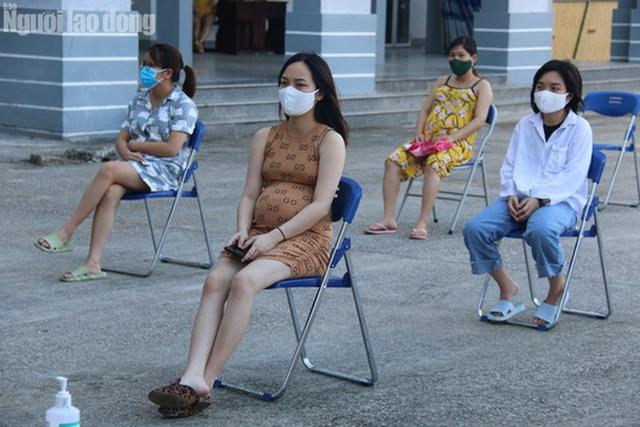 Nhịp sống bên trong khu cách ly 243 bà bầu ở Quảng Nam  - Ảnh 3.